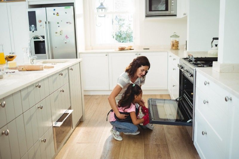 How to Clean Ovens and Oven Racks