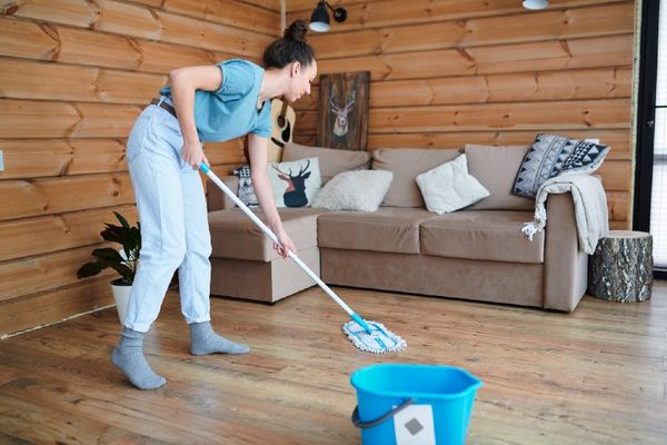 4 Tips on How to Clean Hardwood Floors